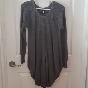 Agnes & Dora Grey Tunic sweater large